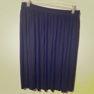 Black pleated skirt Large